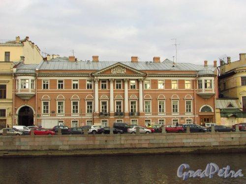 набережная реки Фонтанки, дом 18. Фасад здания дома Пашковых (особняка графа Левашова). Фото 20 октября 2016 года.