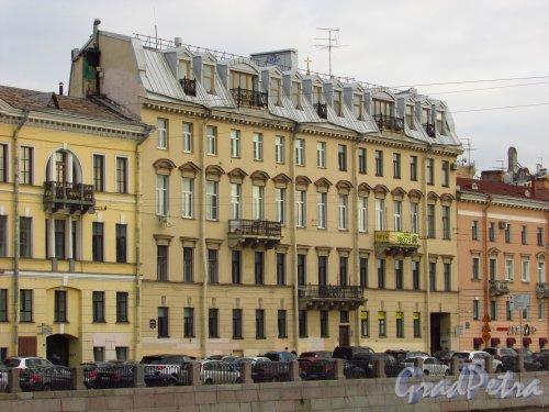 набережная реки Фонтанки, дом 28. Фасад лицевого корпуса доходного дома Оржевского. Фото 20 октября 2016 года.
