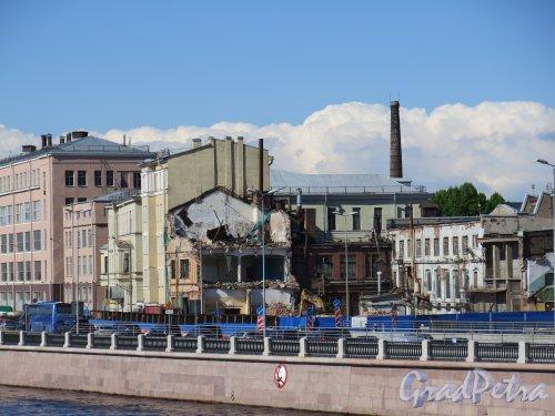 Пироговская наб., д. 11. Корпусов фабрики «Старый Лесснер» в процессе перестройки. фото май 2015 г.