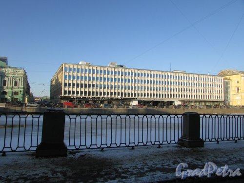 набережная реки Фонтанки, дом 59, литера А. Общий вид здания БЦ «ЛЕНИЗДАТ». Фото 31 января 2018 года.