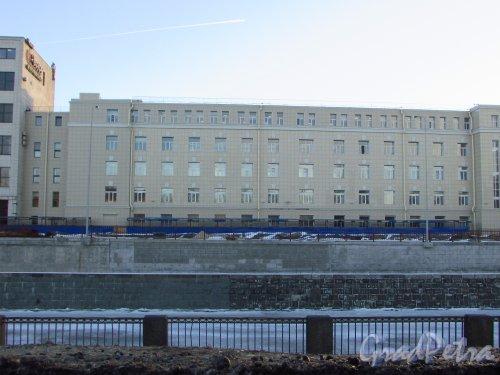 набережная Обводного канала, дом 14, литера А. Общий вид здания. Фото 20 января 2017 года.