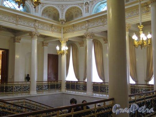 Наб. реки Фонтанки, д. 21. Шуваловский дворец. Галерея Парадной лестницы. фото март 2016 г.