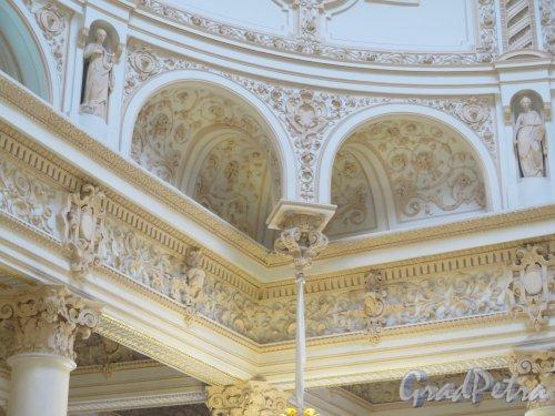 Наб. реки Фонтанки, д. 21. Шуваловский дворец. Купол над Парадной лестницей. фото март 2016 г.