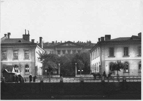 набережная реки Мойки, дом 48-50-52 (набережная реки Мойки, дом 50). «Императорский воспитательный дом». Фото начала XIX века.