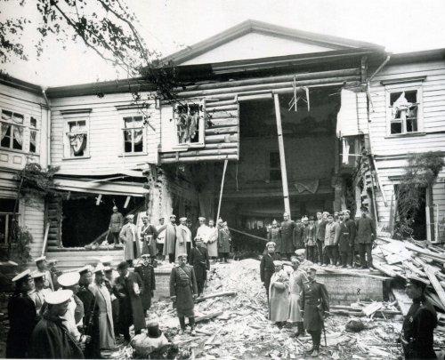 «Дача П.А. Столыпина на Аптекарском острове после взрыва. 12 августа 1906 год»