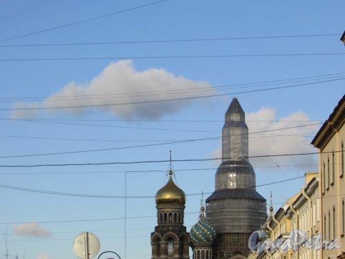 набережная канала Грибоедова, дом 2а. Реставрация центрального купола «Спаса-на-Крови». Фото 28 октября 2019 года.