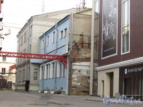 набережная реки Карповки, дом 5, литера Г. Общий вид корпуса «Ленполиграфмаш». Фото 2 ноября 2019 года.