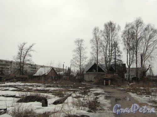 Вид на поселок Торфяное (Парголово) от Заречной улицы. Фото апрель 2012 г.