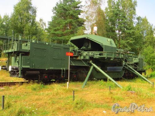Форт Красная Горка. Железнодорожный артиллерийский транспортёр ТМ-1-180 (180 мм). Фото 9 августа 2014 года.