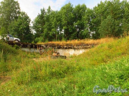 Форт Красная Горка. Орудийное место. Фото 9 августа 2014 года.