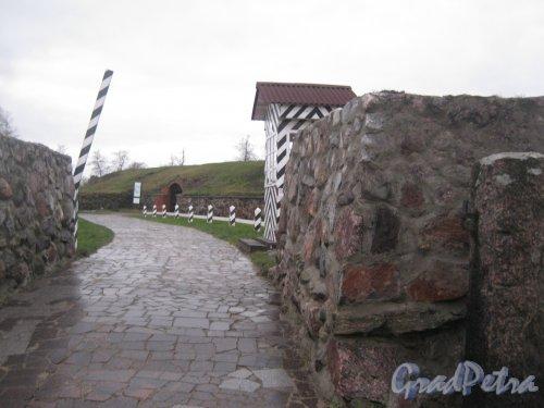 Лен. обл., Приозерский р-н, г. Приозерск, музей-крепость «Корела». Вход. Фото 22 декабря 2013 г.