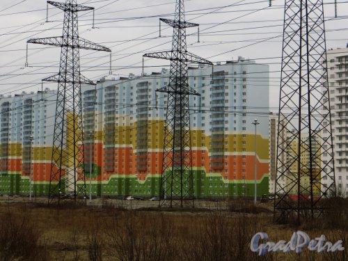 Жилой комплекс «Новая Охта». Дом № 9 (пр. Маршака, дом 14, корпус 2) Фото 22 апреля 2015 года.