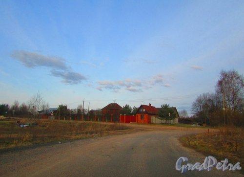 Лен область, Всеволожский район, Свердловское ГП, деревня Оранжерейка, дом 40. Общий вид участка. Фото 24 апреля 2016 года.