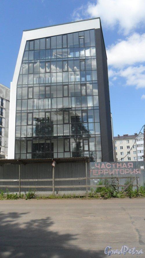 Всеволожск, улица Почтовая, дом 16. ЖК «Новая Швейцария». 5-этажная секция. Готовность объекта на 11 июля 2016 года.