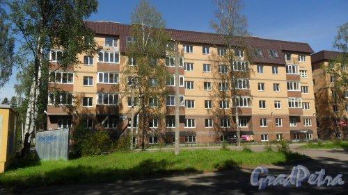 Всеволожск, Христиновский проспект, дом 83. ЖК «Христиновский», корпус 4. 6-этажный жилой дом 2016 года постройки на 43 квартиры. Фото 4 августа 2016 года.
