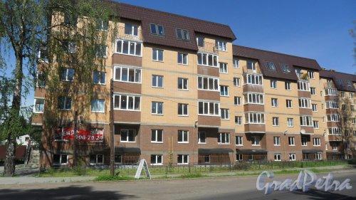 Всеволожск, Христиновский проспект, дом 83. ЖК «Христиновский», корпус 3. 6-этажный жилой дом 2016 года постройки на 46 квартир. Фото 4 августа 2016 года.