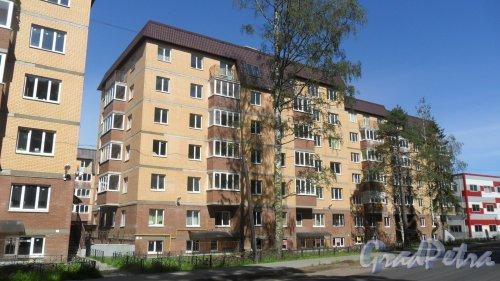 Всеволожск, Христиновский проспект, дом 83. ЖК «Христиновский», корпус 2. 6-этажный жилой дом 2016 года постройки на 109 квартир. Фото 4 августа 2016 года.