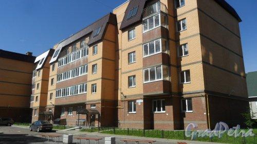 Всеволожск, Христиновский проспект, дом 83. ЖК «Христиновский», корпус 1. 5-этажный жилой дом 2016 года постройки на 68 квартир. Фото 4 августа 2016 года.