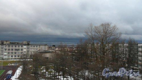 Всеволожский район, поселок имени Морозова. Вид на Ладожское озеро с балкона жилого комплекса «Ладожский Берег». Фото 20 ноября 2016 года.