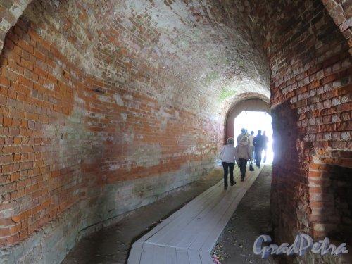 Копорская крепость, 13-18 вв. Проход в Крепость. фото июль 2015 г.