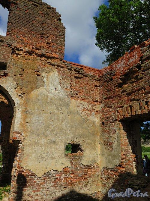 Никольская церковь в Копорье, 1857-1861. Руины Церкви. фото июль 2015 г.