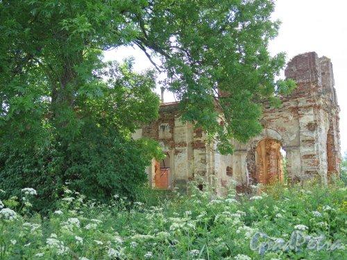 Никольская церковь в Копорье, 1857-1861. Общий вид. фото июль 2015 г.