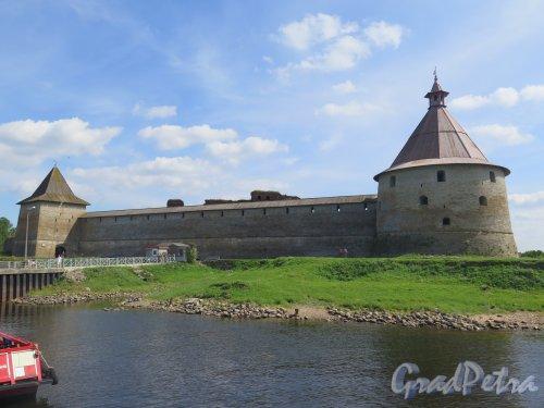 Шлиссельбург, г. Крепость Орешек. Причал и стена крепости. фото август 2015 г.