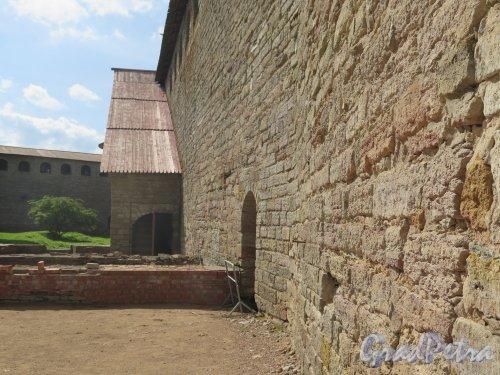 Шлиссельбург, г. Крепость Орешек. Внутренняя сторона стены. фото август 2015 г.