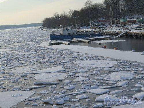 Г. Выборг. Южная гавань зимой. Вид от Крепостного моста. фото февраль 2016 г.