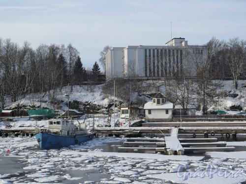 Г. Выборг. Пристань на Смоляном мысе зимой. фото февраль 2016 г.
