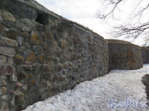 Крепость Корела. Крепостные стены из валунов. фото март 2016 г.