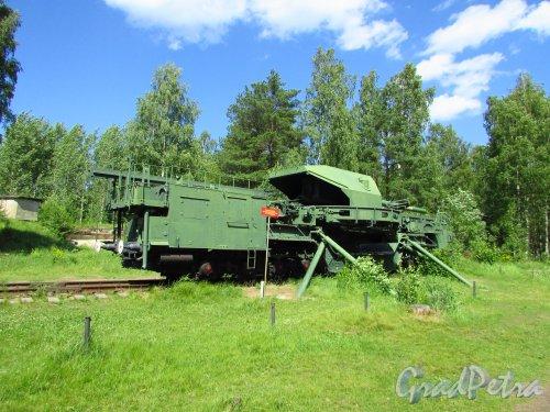 Форт «Красная Горка». Железнодорожный артиллерийский транспортер ТМ-1-180 (180 мм). Фото 20 июня 2016 года.