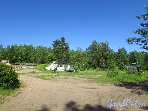 Фрагмент территории форта «Красная Горка». Фото 20 июня 2016 года.