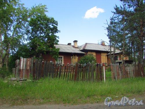 Здание вокзала ж/д станции «Краснофлотск». Фото - июня 2016 года.