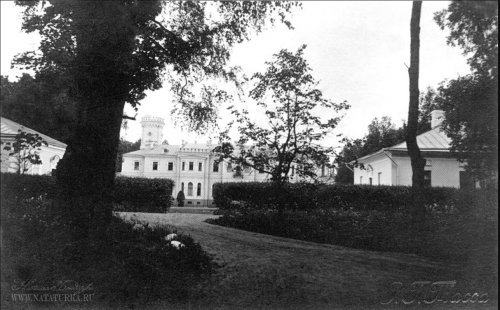Усадьба «Гостилицы». Парадный фасад дворца. Фото начала XIX в.