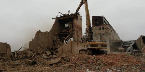 Снос зданий Никольского кирпичного завода. Фото 27 ноября 2019 года