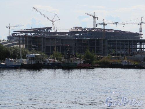 Южная дорога, дом 25, строительство стадиона «Зенит-Арена» во время строительства. Вид со стрелки ЦПКиО. фото август 2014 г.