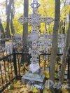 Пос. Стрельна, Стрельнинское кладбище. Безымянное захоронение. Фото 16 октября 2014 г.
