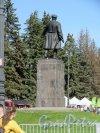 Памятник С.М. Кирову в Приморском парке Победы, 1950. Общий вид со спины. фото май 2018 г.