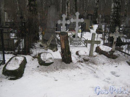 Богословское кладбище. Неопознанные и забытые родственниками захоронения. Фото февраль 2014 г.