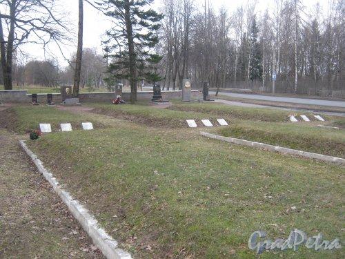 г. Ломоносов, Мартышкино, братское захоронение. Общий вид. Фото 7 марта 2014 г.