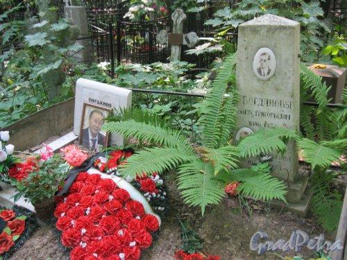Красненькое кладбище. Захоронение семьи Богдановых. Фото 6 августа 2015 г.