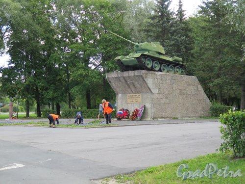 Памятник «Защитникам Киришской земли (1941-1943) танк Т-34 в г. Кириши. фото август 2014 г.