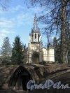 Шуваловский парк, д. 41. Церковь св. Апостолов Петра и Павла и «Склеп Адольфа». Фото апрель 2014 г.