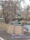 Московский Парк Победы. Памятник Раймонде Дьен. Фото апрель 2014 г.