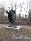Московский Парк Победы. Памятник «Братству по оружию». Фото апрель 2014 г.