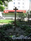 Введенский сад. Поминальный крест по Собору и часовне. Фото май 2014 г.