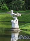 Верхний парк (Ораниенбаум). Китайский пруд. Статуя «Тритон», 1861, ск. Йозеф Копф. фото август 2015 г.
