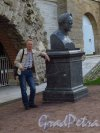 Екатерининский парк (Пушкин). Бюст Александра I во Фрейлинском садике у Гротов Камероновой галереи. фото сентябрь 2015 г.