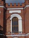 Александровский парк (Пушкин), лит. М. Павильон «Арсенал», 1819-1834, Оформление окна 2-го этажа. фото август 2016 г.